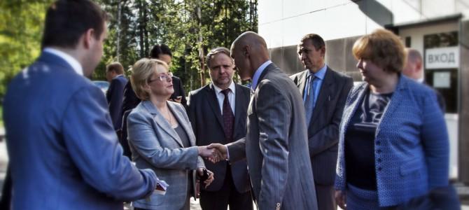 Министр здравоохранения РФ посетила Центр онкологии ЛДЦ МИБС